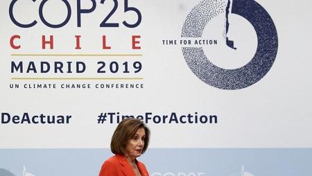 Nancy Pelosi, présidente de la Chambre américaine des représentants, à la COP25 à Madrid, le 2 décembre 2019. REUTERS/Sergio Perez