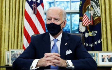 Le président américain Joe Biden dans le Bureau ovale à la Maison-Blanche.  REUTERS/Tom Brenner