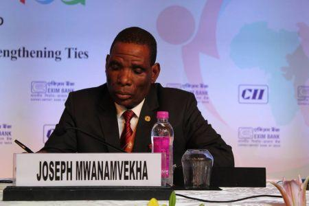 Joseph Mwanamvekha, économiste et ancien banquier, nommé au poste de ministre des Finances