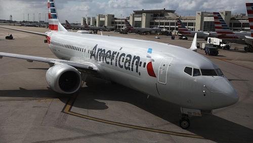 Un Boeing 737 MAX 8 de la compagnie American Airlines, à son arrivée à l'aéroport international de Miami, en Floride, le 13 mars 2019. De nombreux pays ont cloué au sol ce modèle de la firme de Seattle. © JOE RAEDLE / GETTY IMAGES NORTH AMERICA / AFP