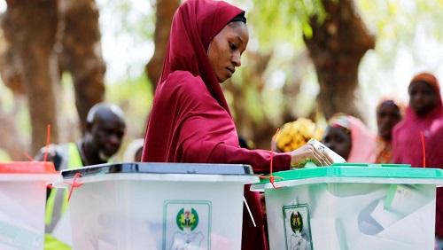 Une Nigériane vote pour les élections générales, le 23 février 2019 à Kazaure, dans l'Etat de Jigawa, dans le nord du pays. © REUTERS/Afolabi Sotunde