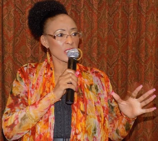 Lillian Barnard est actuellement Directrice de l'unité du secteur public chez Microsoft Afrique du Sud. Diplômée en commerce et en économie d'entreprise