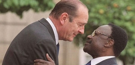 Rencontre entre Jacques Chirac, président français et son homologue gabonais Omar Bongo,  à l'Élysée. AFP/