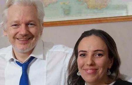Julien Assange, fondateur australien de WikiLeaks et Stella Morris, mère de ses enfants