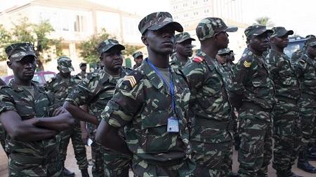 Le Conseil de sécurité de l'Onu a appelé lundi les militaires en Guinée-Bissau à rester à l'écart de la crise politique