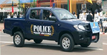 Voiture de police camerounaise