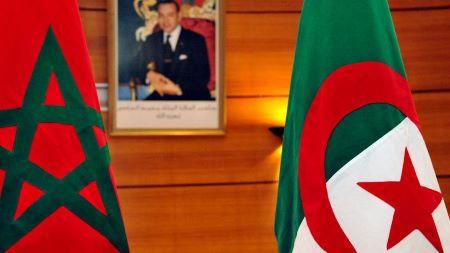 Les drapeaux de l'Algérie et du Maroc. Photo: ABDELHAK SENNA/AFP