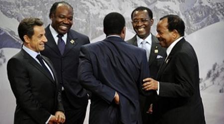 Les présidents, Sarkosy, Bongo, Deby, Biya et Sassou . Illustration