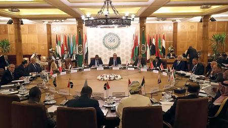 Des représentants permanents de la Ligue arabe qui participent à une réunion d'urgence pour discuter des plans de la Turquie d'envoyer des troupes militaires en Libye, au siège de la Ligue au Caire, en Égypte, le 31 décembre 2019. (Photo d'illustration) REUTERS/Mohamed Abd El Ghany