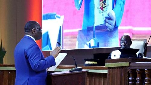 Le président sénégalais Macky Sall lors de sa prestation de serment, mardi 2 avril, à Diamniadio. © REUTERS/Christophe Van Der Perre