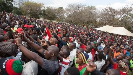 """Six ambassadeurs étrangers en poste au Malawi ont condamné vendredi """"toute forme de violence"""""""