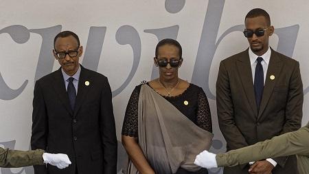 Ivan Kagame, ici à doite 30 ans, est l'aîné d'une fratrie de quatre enfants – trois fils et une fille
