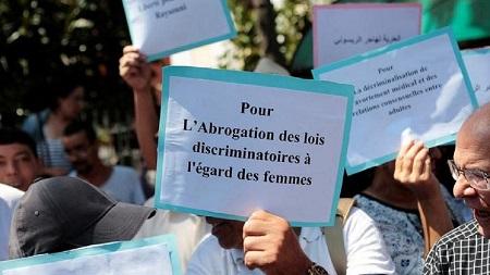 """La justice marocaine a décidé lundi de renvoyer au 16 septembre le procès pour """"avortement illégal"""" d'une journaliste"""