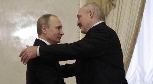 Le Président du Belarus, Alexandre Lukashenko, avec Vladimir Poutine