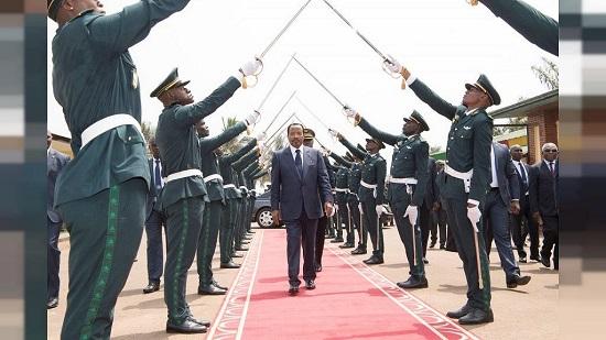"""Le président camerounais Paul Biya  déclaré vendredi  avoir donné des """"instructions fermes"""" à son armée pour y mettre un terme aux prises d'otages"""