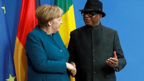 La chancelière allemande Angela Merkel et le président malien Ibrahim Boubacar Keïta lors de leur conférence commune, ce vendredi 8 février 2019, à Berlin. © REUTERS/Michele Tantussi