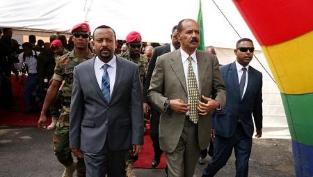 Le Premier ministre éthiopien Abiy Ahmed et le président érythréen Issayas Afewerki, le 16 juillet 2018 à Addis-Abeba. © REUTERS/Tiksa Neger