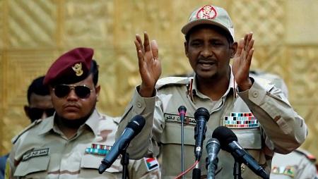 Le lieutenant général Mohamed Hamdan Dagalo, numéro deux du CMT libyen, à Khartoum, le 20 juin 2019. © REUTERS/Umit Bektas/File Photo