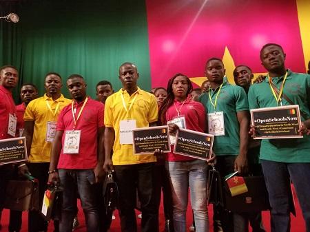 Ces jeunes étaient des sécessionnistes armés., ils ont laissé la guerre, ici  dans la salle où travaille la commission sur la «décentralisation et le développement local» dans le cadre du grand dialogue national au Cameroun