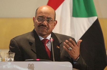Le président soudanais déchu Omar el-Béchir au tribunal de Khartoum