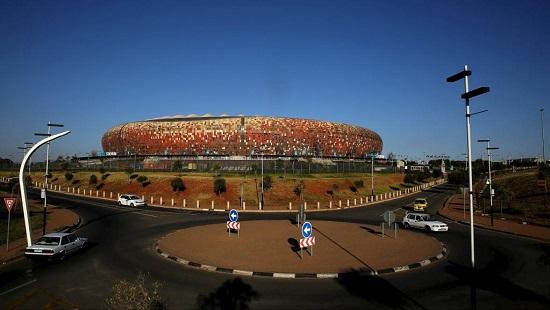 Le Soccer City Stadium qui a notamment accueilli la finale de la Coupe du monde 2010, Johannesburg. REUTERS/Siphiwe Sibeko