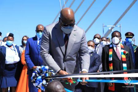 Le Président de la RDC et de l'Union Africaine que Félix Antoine Tshisekedi a coupé, lundi 10 mai 2021, le ruban symbolique portant inauguration du Pont Kuzungula