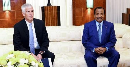Paul BIYA, a reçu en audience, jeudi 17 mai, au Palais de l'Unité, l'ambassadeur des Etats-Unis d'Amérique au Cameroun, Peter Henry Barlerin