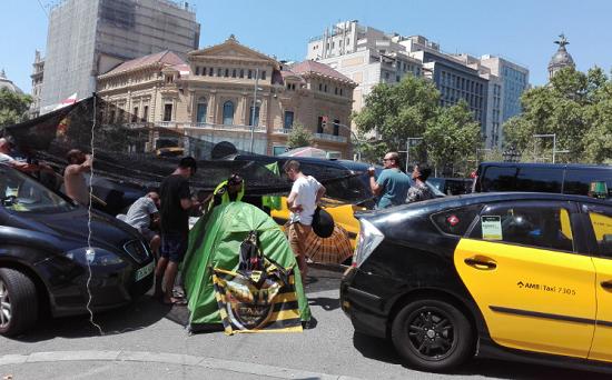 Taxi-mans du secteur public mécontent , vendredi 1 août 2018. Photo: A24M