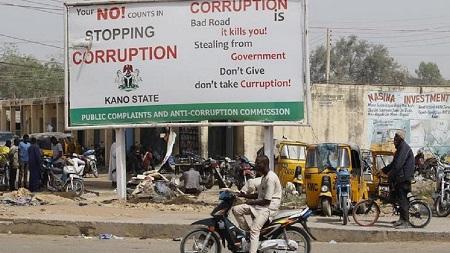 Une nouvelle prise pour le Nigeria dans une affaire de corruption géante. Mohammed Adoke, ex-ministre nigérian de la Justice a été arrêté à Dubaï