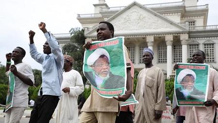 Manifestation pour la libération d'Ibrahim Zakzaki, chef du Mouvement islamique du Nigeria (MIN) à Abuja, le 10 juillet 2019. © Kola SULAIMON / AFP