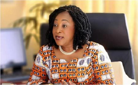 Shirley Ayorkor Botchway, ministre ghanéenne des Affaires étrangères conduit une délégation ministérielle de la Cédéao en Côte d'Ivoire.