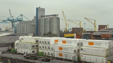 Une vue générale du port de Douala au Cameroun. Reinnier KAZE/AFP