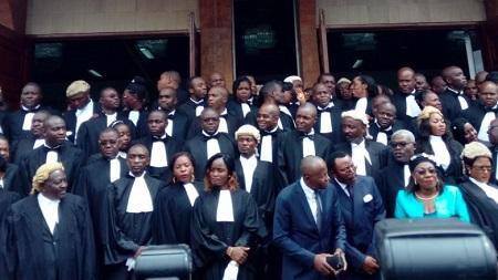 Les avocats demandent une consolidation du droit à un procès équitable