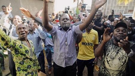 Trente-neuf militants du Mouvement pour la renaissance du Cameroun, arrêtés fin janvier à la suite d'une manifestation, ont été libérés dans la nuit de vendredi à samedi