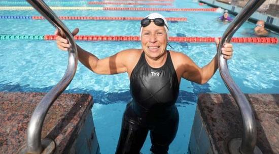 Nagwa Yousef Ghorab, Championne Egyptienne de natation à 76 ans
