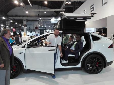 La nouvelle version de la marque TESLA au Salon International d'Automobile de Barcelone 2019. Photo: Tinno Mbang
