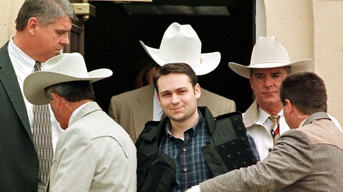 John King lors de son procès en 1999 pour le meurtre raciste de James Byrd, qui avait été tiré sur trois km derrière une camionnette afp.com/PAUL BUCK