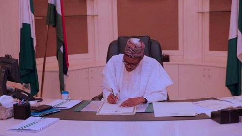 Le chef de l'Etat Muhammadu Buhari a promulgué la loi 2019 sur le salaire minimum