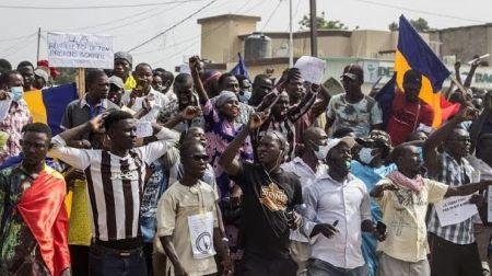 La police tchadienne a dispersé samedi à coup de gaz lacrymogènes un rassemblement de plusieurs centaines de personnes à N'Djamena