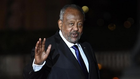 Ismaïl Omar Guelleh, ici à Paris en novembre 2018, fête ce mercredi 8 mai sa 20e années passée à la tête de Djibouti. © Eric FEFERBERG / AFP