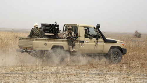 Soldats tchadiens déployés dans le cadre de la force militaire mixte contre Boko Haram, au Nigeria, en février 2015. (Photo d'illustration) © REUTERS/Emmanuel Braun