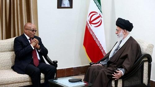 Visite de Jacob Zuma à Téhéran, le 24 avril 2016. Fin 2017, un forum d'affaires Iran-Afrique du Sud s'est ensuite tenu à Pretoria, mais aucune grande annonce n'en est sortie. © STRINGER / KHAMENEI.IR / AFP