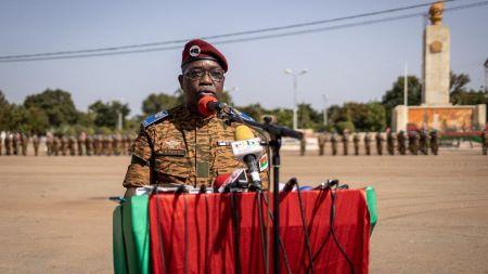 Le colonel-major Gilbert Ouédraogo lors de sa prise de commandement à Ouagadougou, le 12 octobre 2021 - AFP