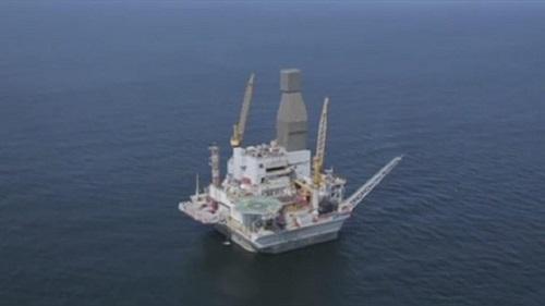 """Le groupe français Total a annoncé jeudi une découverte """"importante"""" d'hydrocarbures au large de l'Afrique du Sud"""