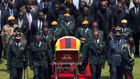 Hommage national à Robert Mugabe à Harare le 14 septembre 2019: le stade est à moitié vide, rapporte notre envoyée spéciale à Harare. © REUTERS/Siphiwe Sibeko