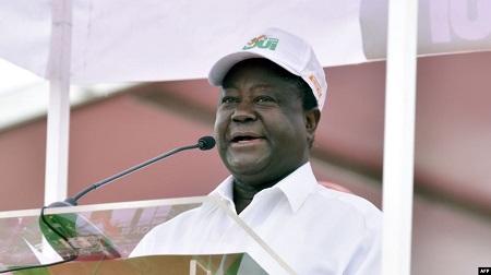 L'ancien président ivoirien, Henri Konan Bédié, s'exprime lors d'un rassemblement au stade Félix Houphouët-Boigny, à Abidjan, le 22 octobre 2016.Photo: (Illustration)