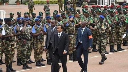Paul Biya, le chef de l'Etat camerounais au défilé militaire à Yaoundé