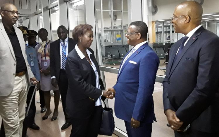 Dion NGUTE Joseph, a accueilli, hier soir, Mme Louise MUSHIKIWABO,  Secrétaire Général de la Francophonie qui entame une visite officielle de 48h au Cameroun, à l'invitation du Chef de l'État Paul BIYA