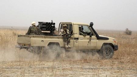 Lors d'une patrouille de reconnaissance, les militaires tchadiens sont tombés sur un poste de commandement (image d'illustration). © REUTERS/Emmanuel Braun