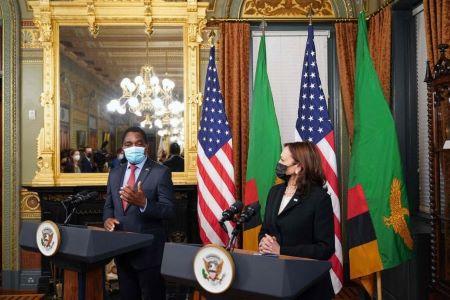 Le vice-président des États-Unis, Kamala Harris, a rencontré mercredi au complexe de la Maison Blanche le président nouvellement élu de la Zambie, le chef de l'opposition de longue date Hakainde Hichilema.